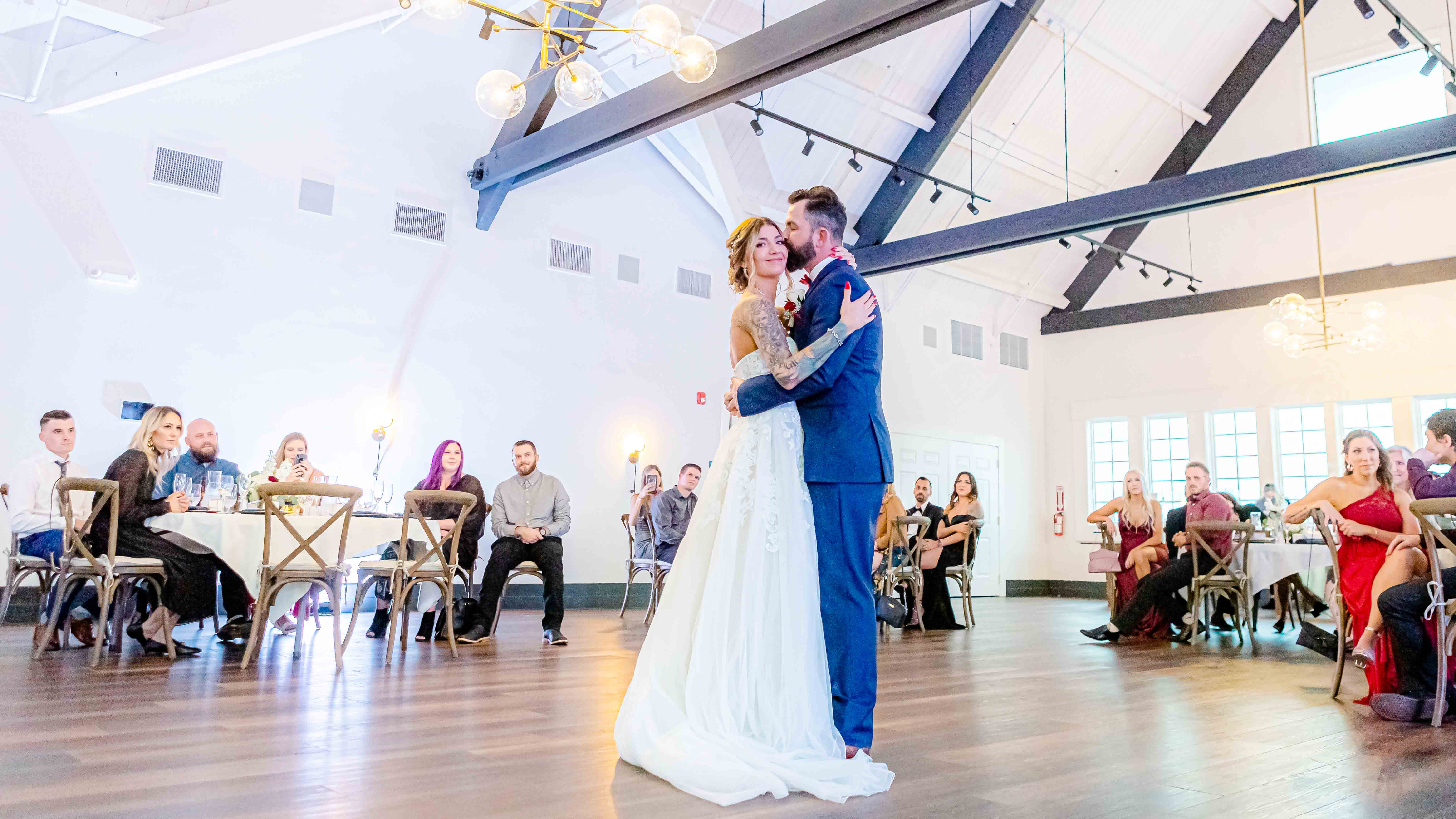 A Beautiful First Dance - Aaron & Lynnea's Wedding