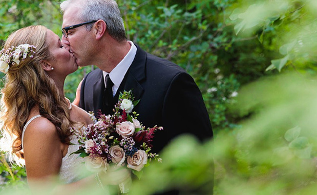 Boulder Creek Wedgewood Weddings Andree Michael Kiss