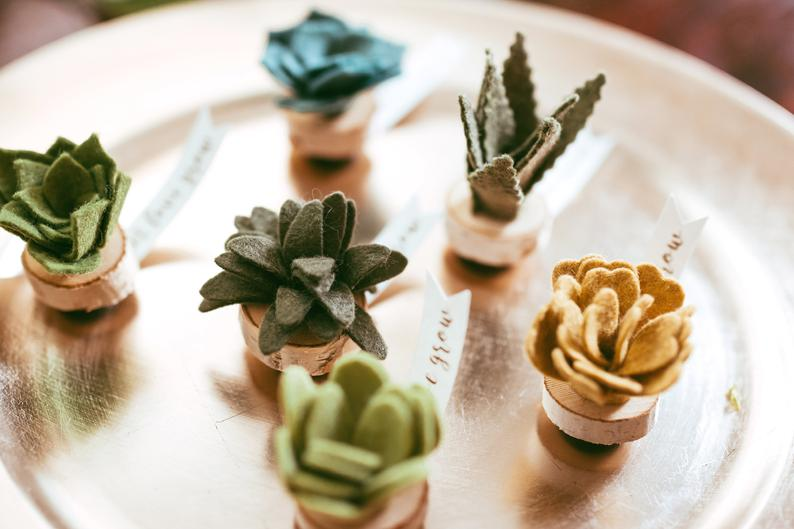 FeltWeddingDecor-TheVindingVine-Etsy-CuteFeltSucculents