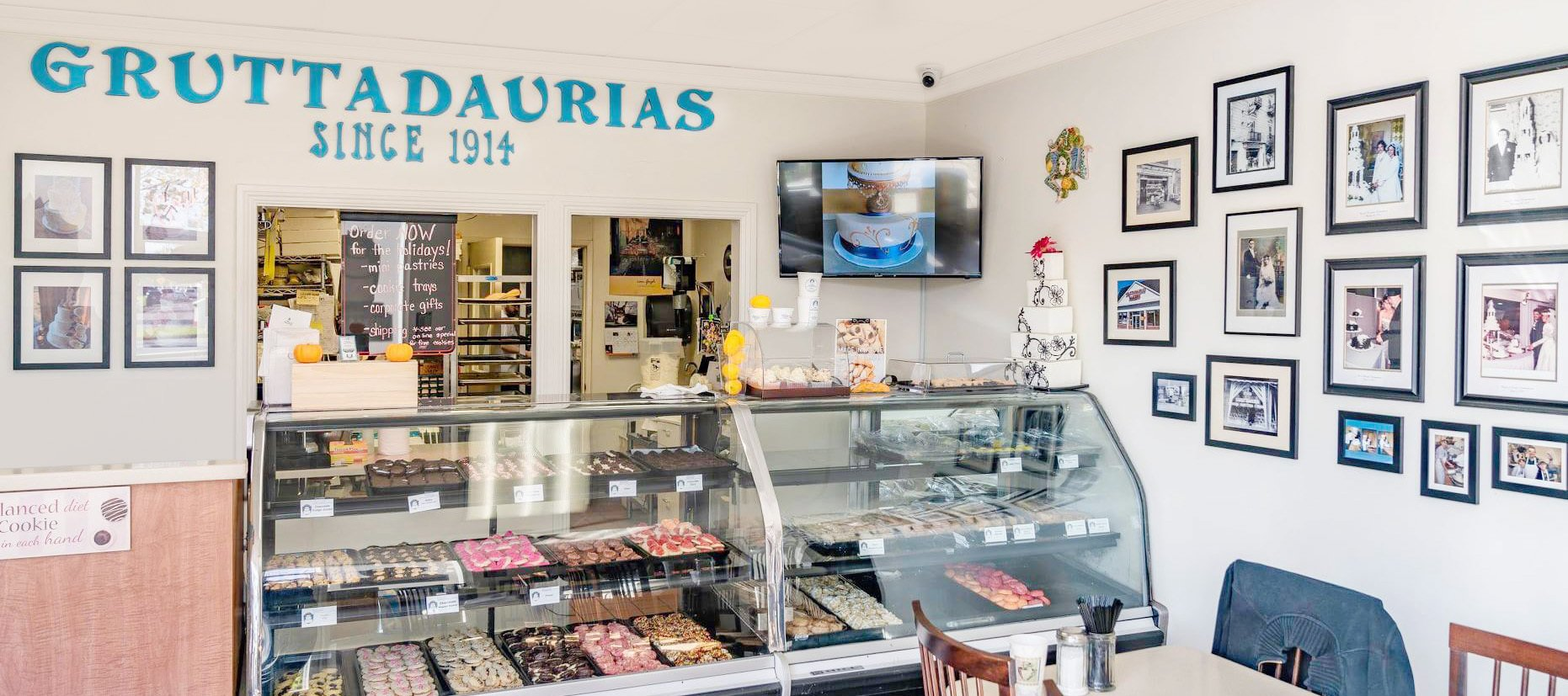 Gruttadaurias Wedding Cake Shop and Bakery
