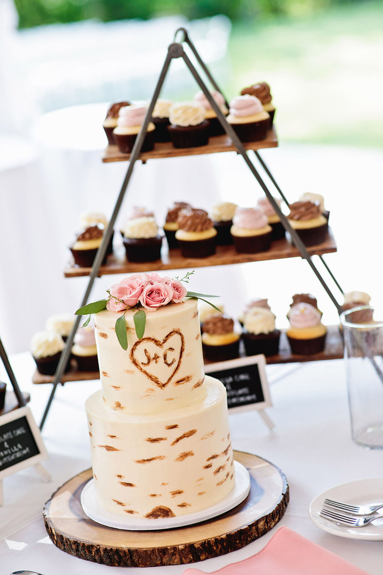 Jessica and Coreys Wedding Cake Display at Boulder Creek by Wedgewood Weddings