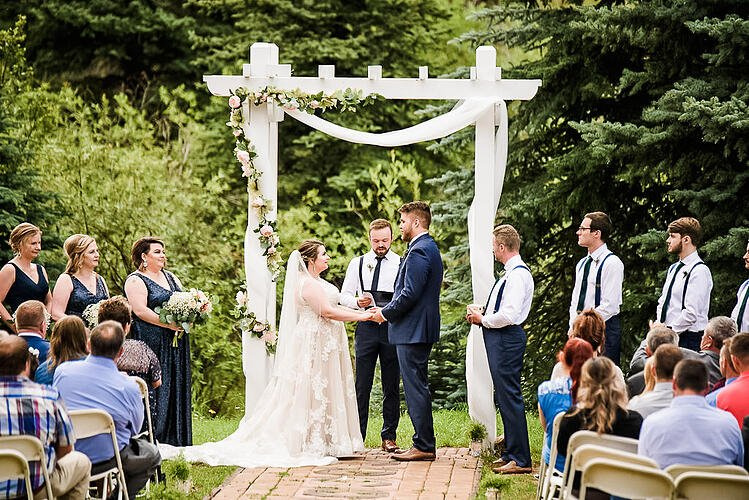 Nestled Among the Magnificent Rockies, This Ravishing CO Wedding Venue Mixes Rural Charm With Refined Elegance