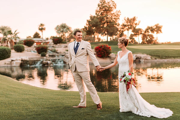 Sunset Glow at Ocotillo Oasis | Wedgewood Weddings