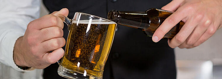 Refreshing Glass of Beer - Wedding Bar Etiquette - Wedgewood Weddings