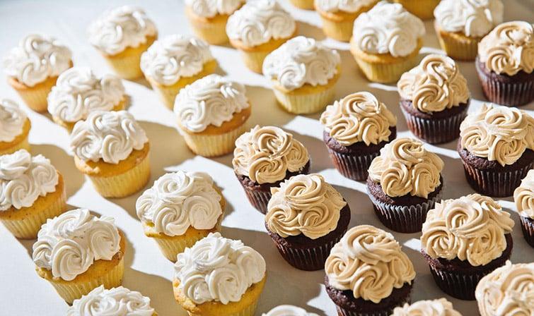 Wedding Cupcakes - Wedgewood Weddings