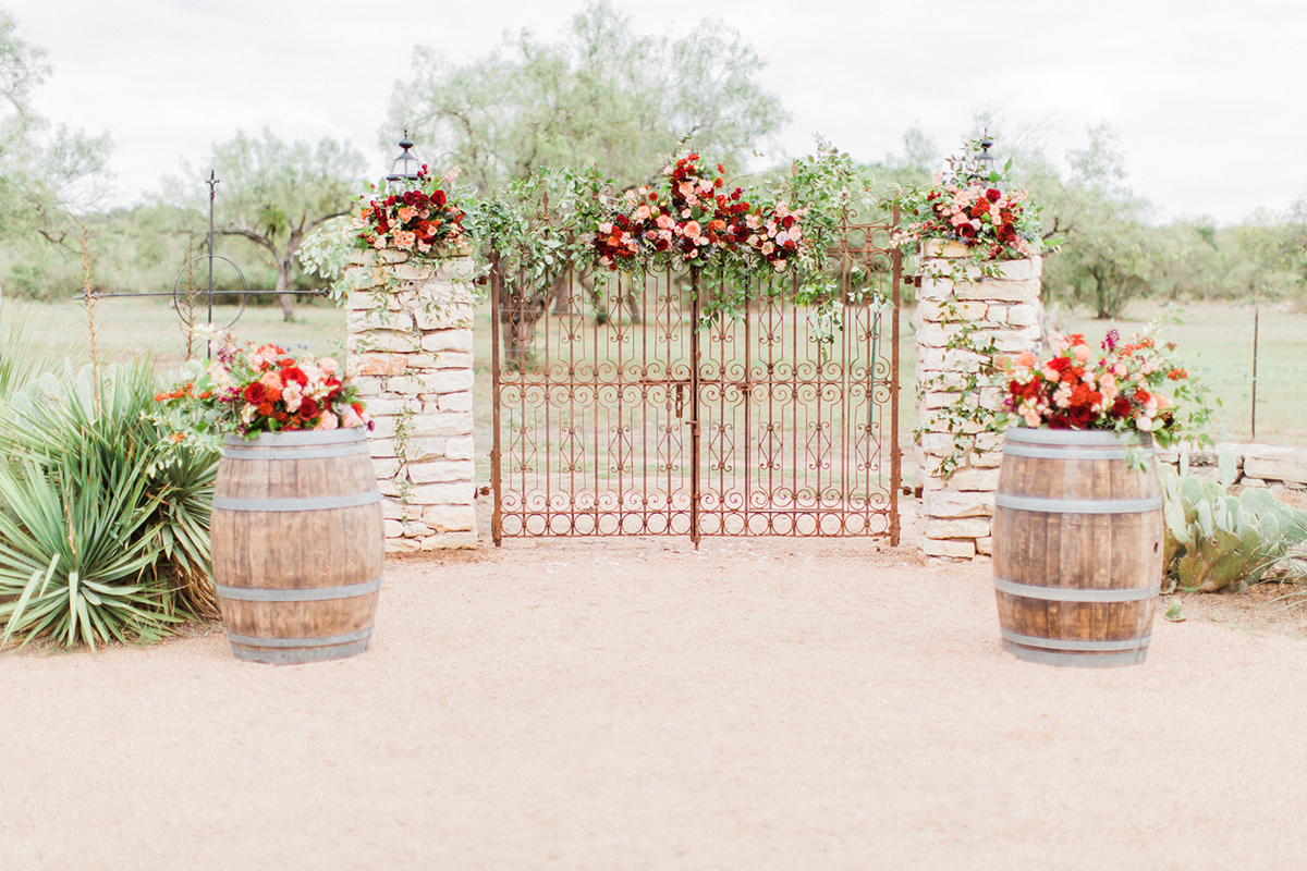 The iron gates as a ceremony backdrop for your Texas wedding