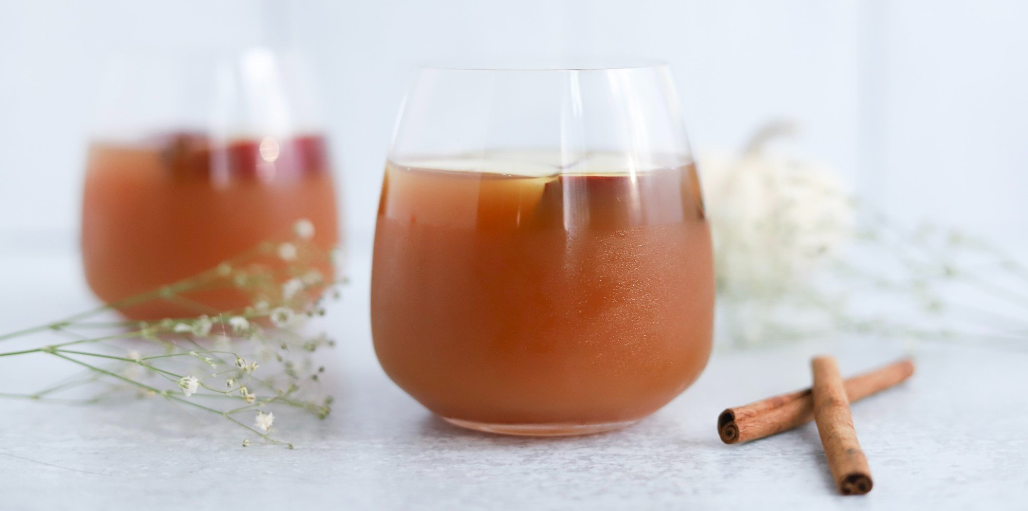 Spiked Apple Cider Cocktail - Signature Wedding Cocktail Ideas