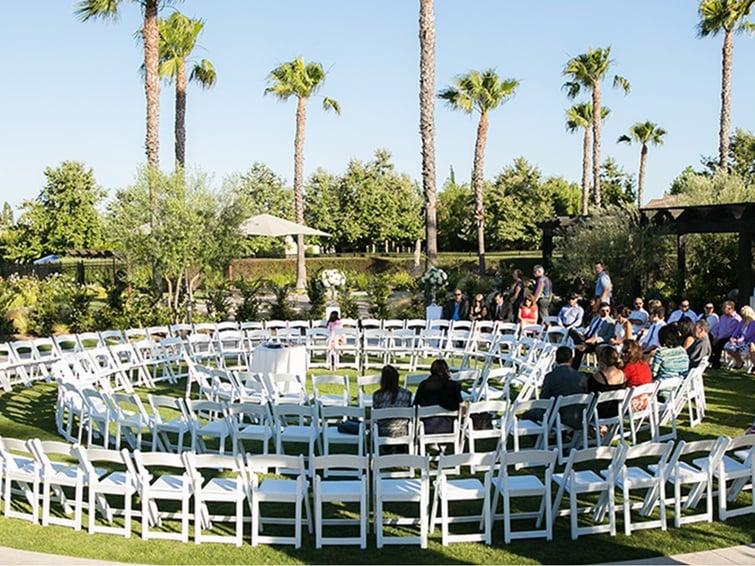 Circular Wedding Ceremony Arrangement | Aliso Viejo by Wedgewood Weddings