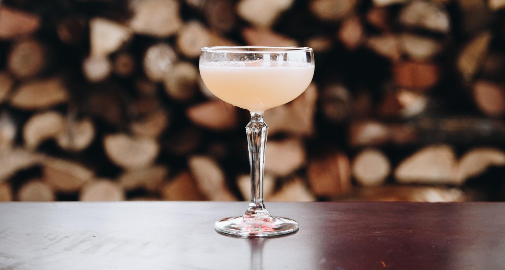 Elderflower Martini - Signature Wedding Cocktail Ideas
