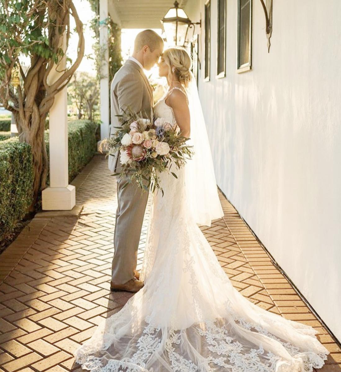 Organic Wedding Bouquet in Soft Neutrals