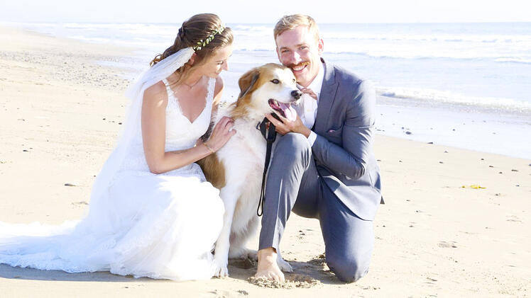 LILLIAN AND JOSH POSE WITH THEIR SWEET PUP POST-CEREMONY IN VENTURA, CA