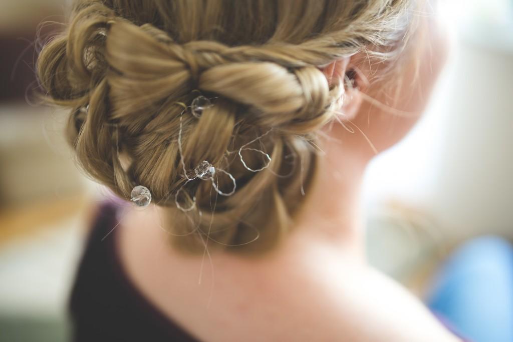 Create your gorgeous wedding hairstyle by using extensions