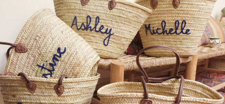 Wedding favor totes from Etsy