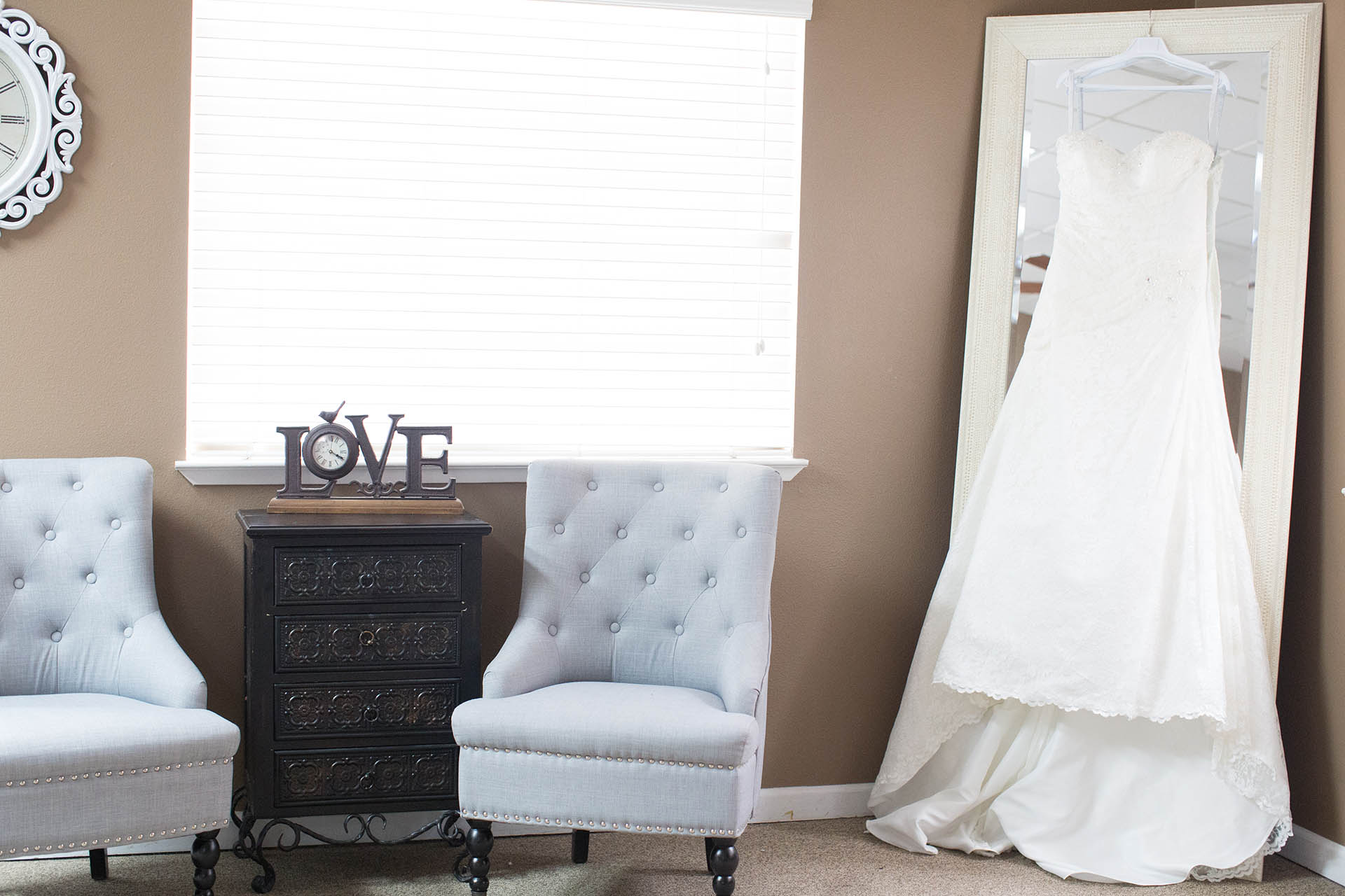 Spacious dressing suite for you and your bridal party