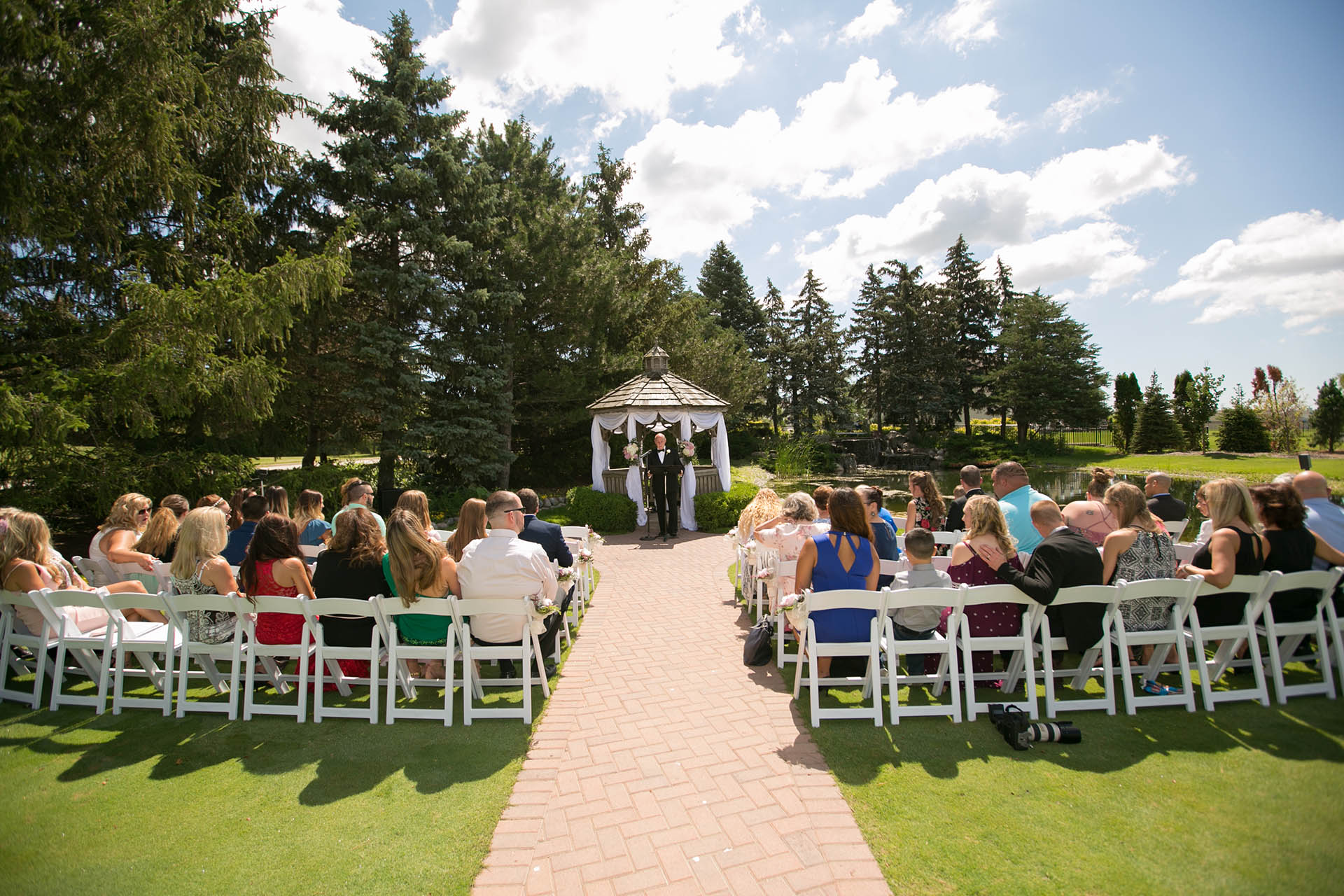 Garden Wedding Ceremony At Wedgewood Weddings North S Lake County Il