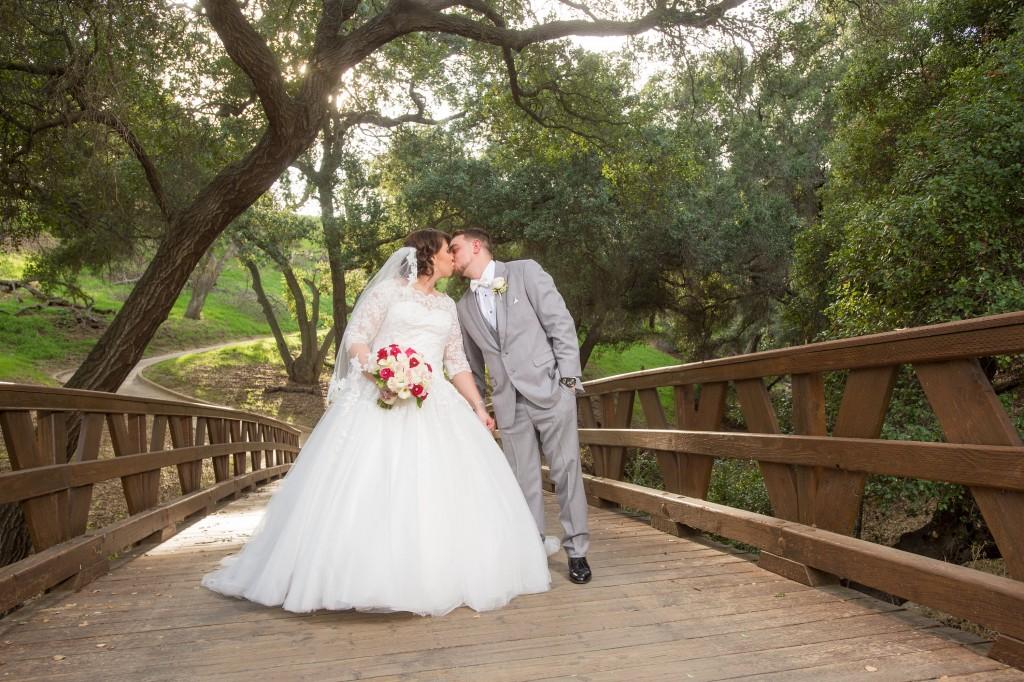 gorgeous outdoor wedding pictures vellano california