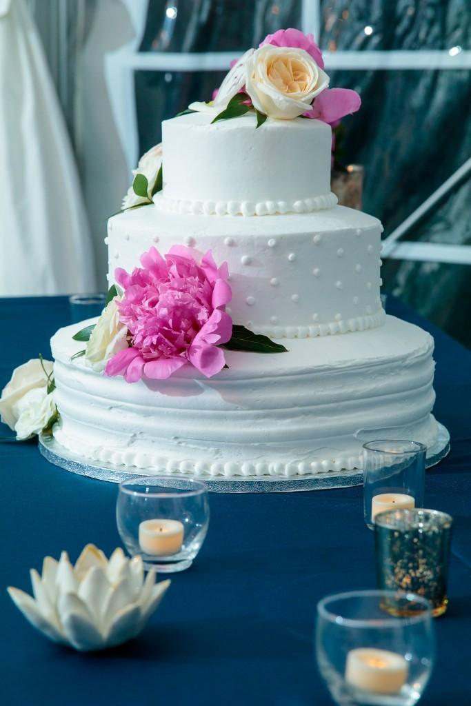 white wedding cake ideas at Wedgewood Weddings