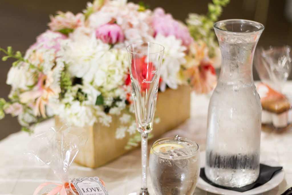 gorgeous wedding table centerpiece