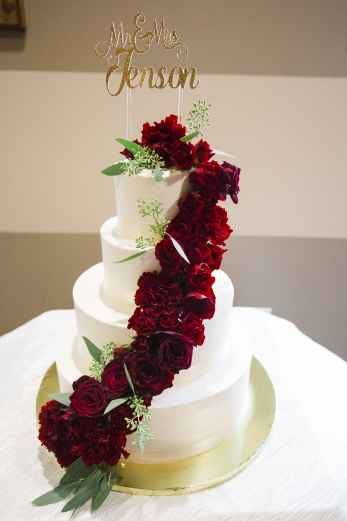 bordeaux gold wedding color scheme on a cake