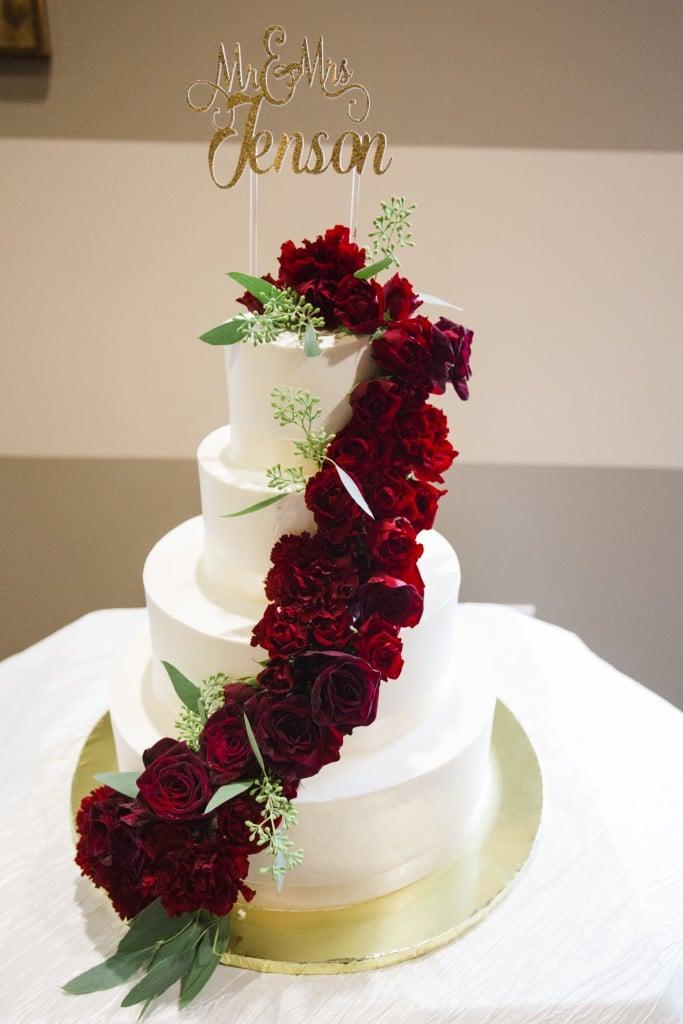 bordeaux gold wedding color scheme on a cake