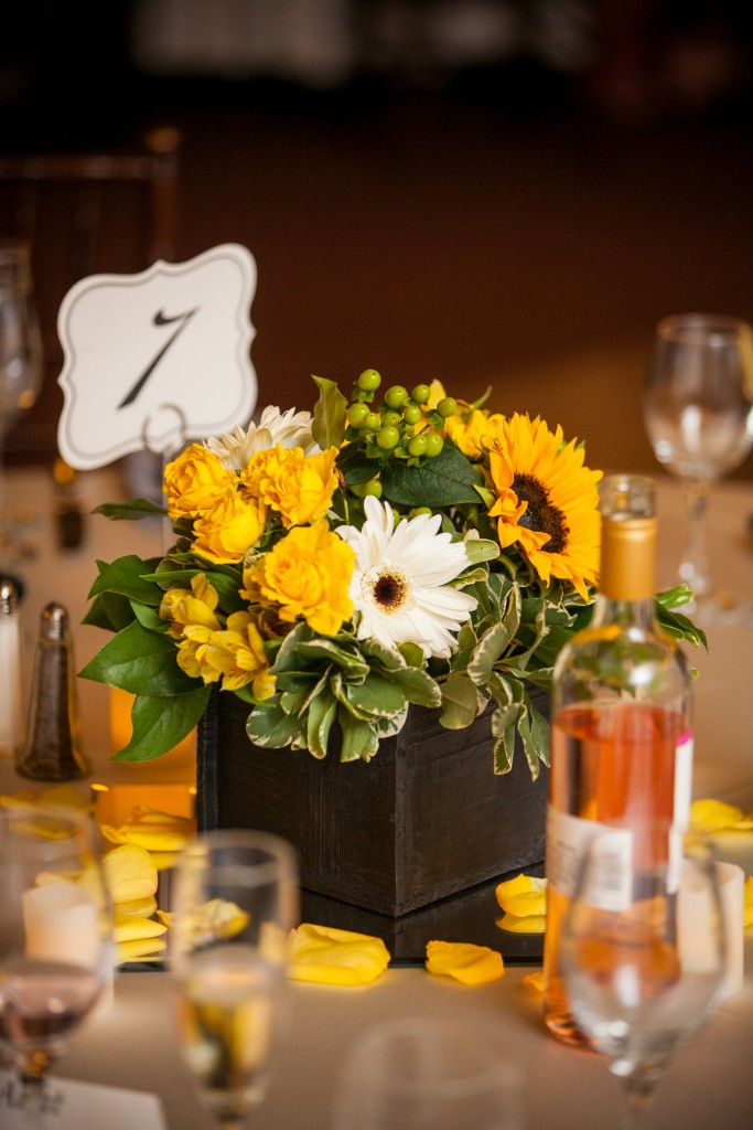 yellow and brown wedding color scheme centerpieces