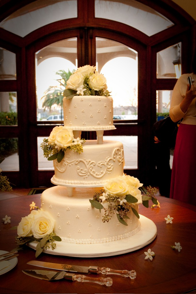 beautiful tier Wedgewood Weddings cake