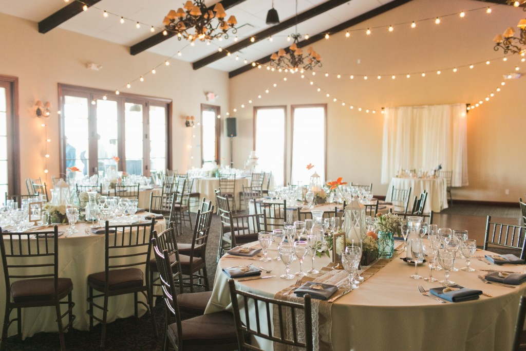 rustic wedding seating arrangement with lights