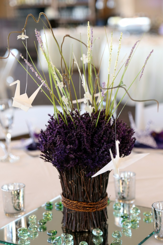 purple wedding color scheme centerpiece