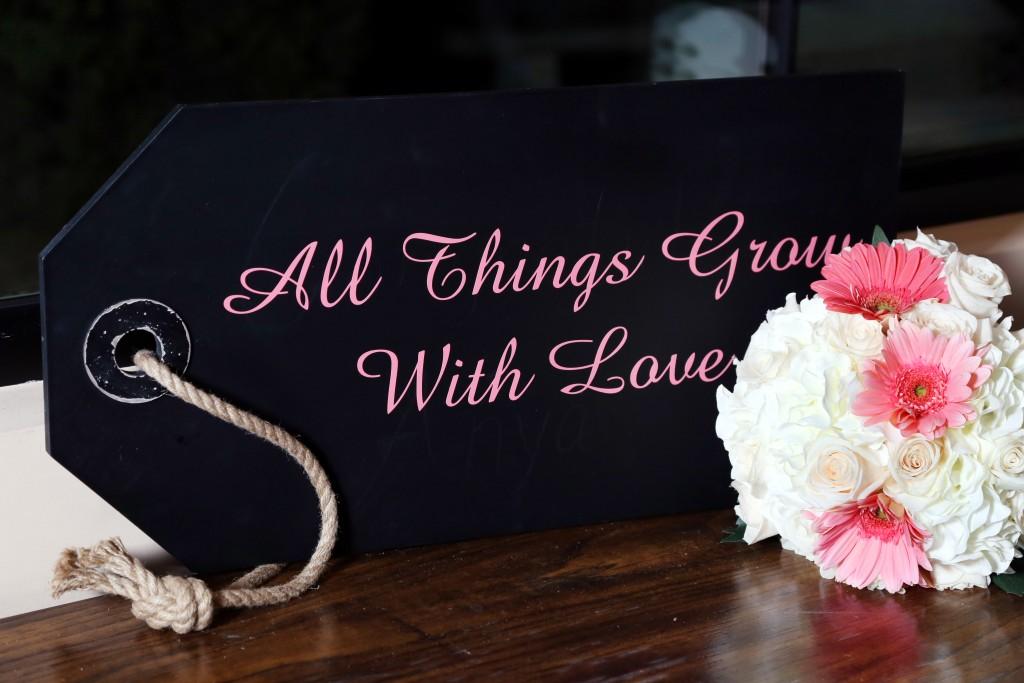 hot pink wedding color scheme décor