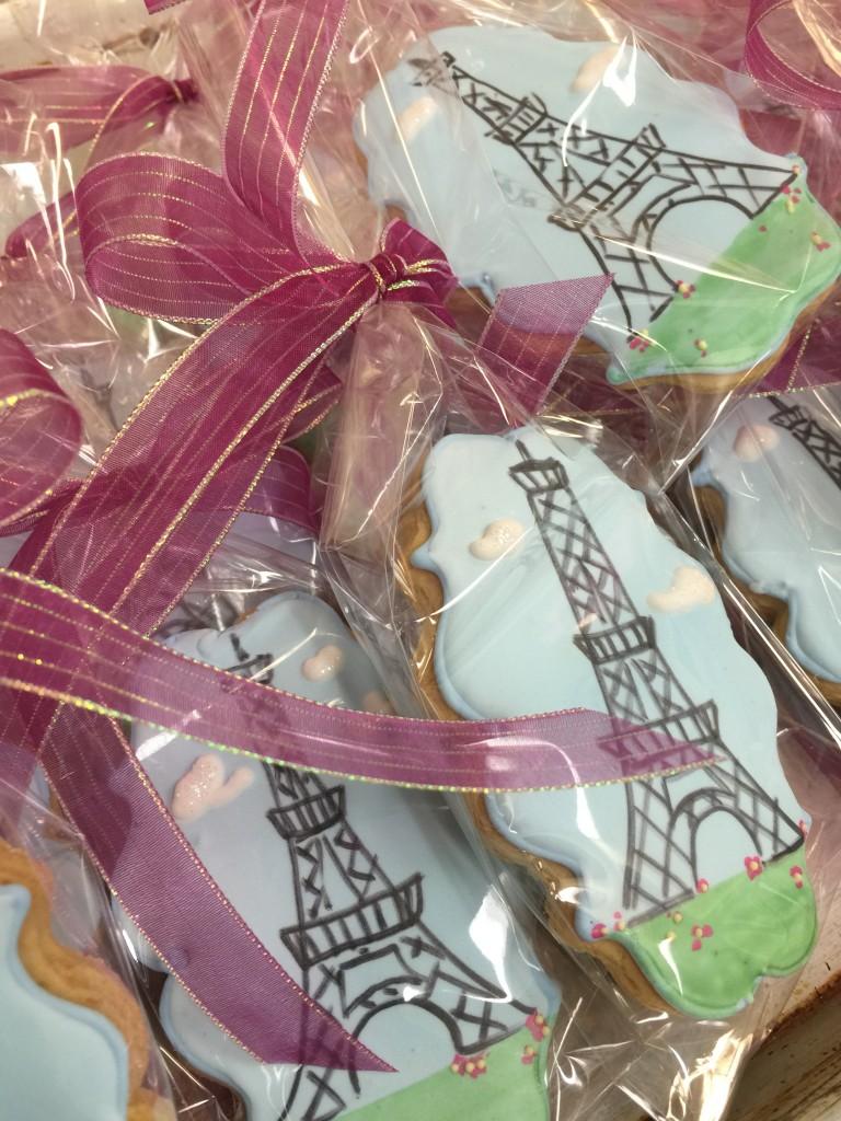 themed wedding cookies
