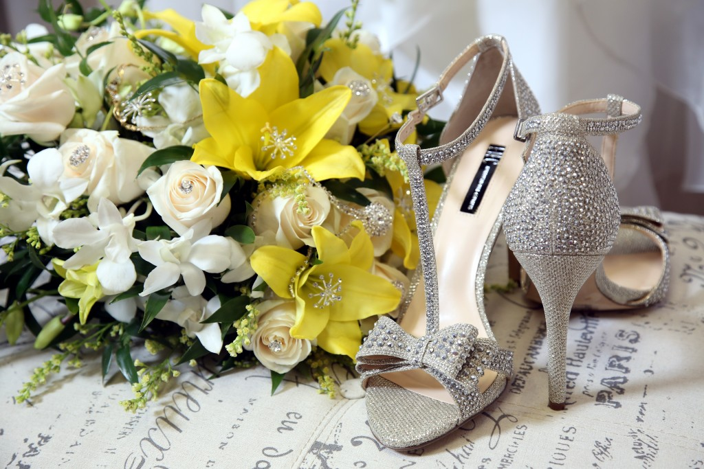 palm valley wedding shoes gorgeous floral arrangement