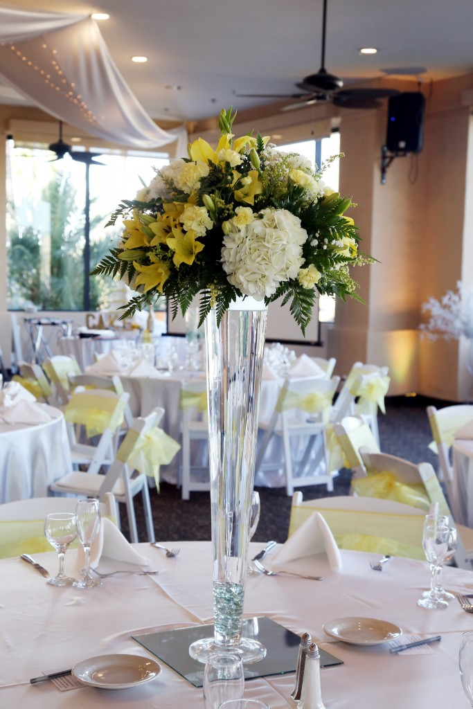 beautiful palm valley arizona wedding table centerpiece