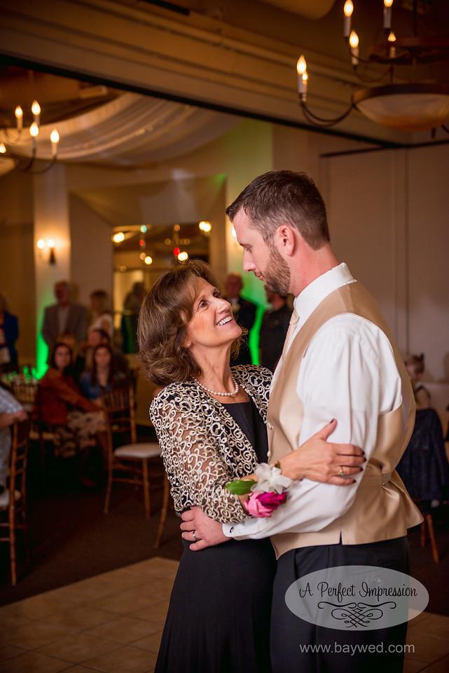 mother of the groom wedding responsibilities