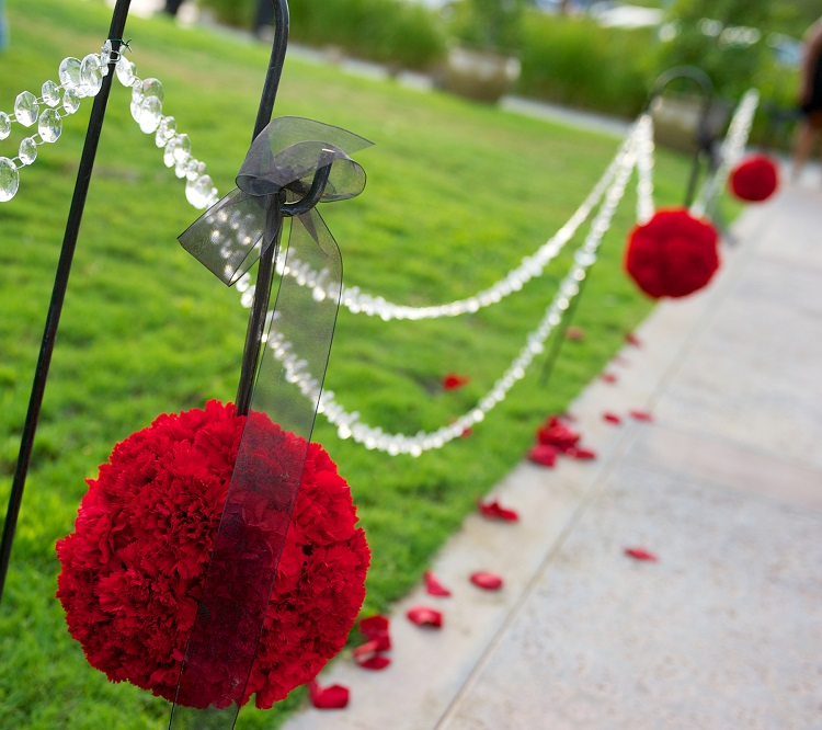 ceremony aisle kissing ball