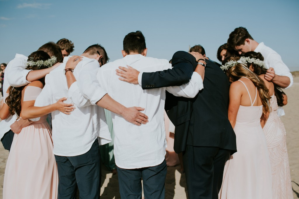 bridal party beach wedding