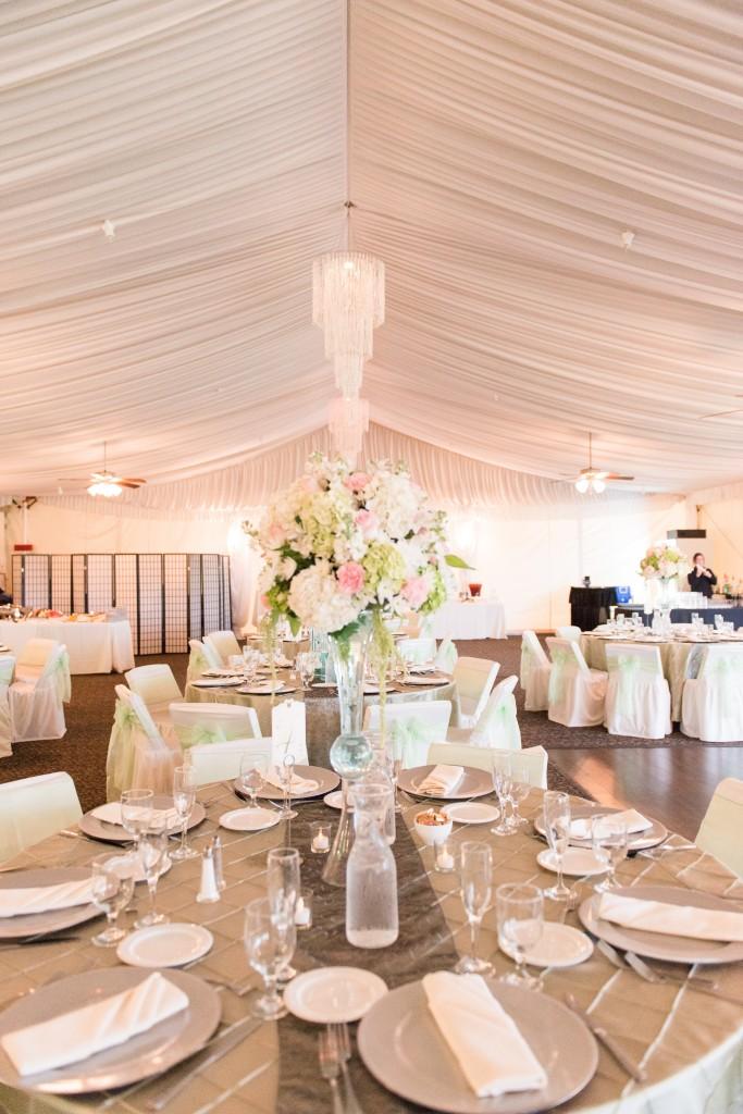 gorgeous romantic wedding table linens