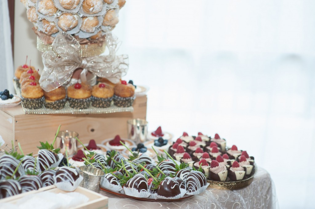 beautiful wedding dessert table