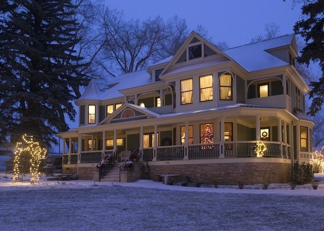 The partfect Winter Wedding Venue? Choose Tapestry House in Fort Collins!