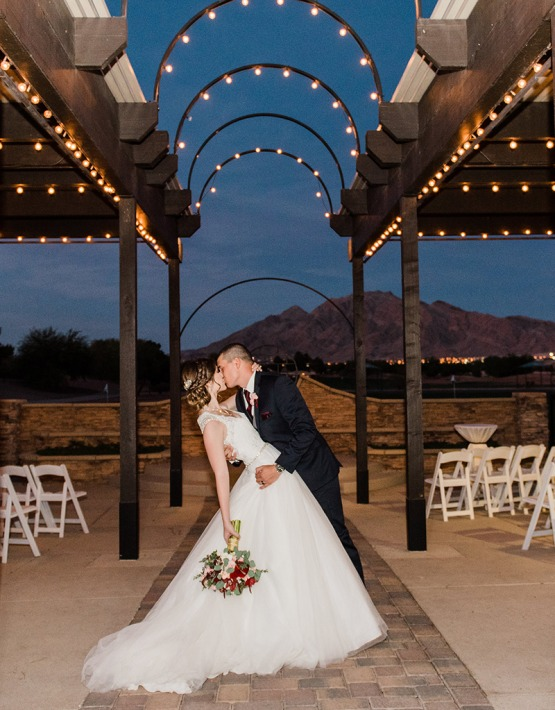Dip Kiss - Las Vegas - Las Vegas, Nevada - Clark County - Wedgewood Weddings