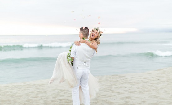 Seaside love - Pacific View Tower Club - Oxnard, California - Ventura County - Beach Wedding - Wedgewood Weddings