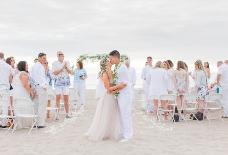 Beach wedding ceremony at Wedgewood Weddings Pacific View Tower Club – Ventura County