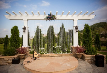 Outdoor wedding ceremony at Wedgewood Weddings Eagle Ridge - Minutes from Morgan Hill, CA