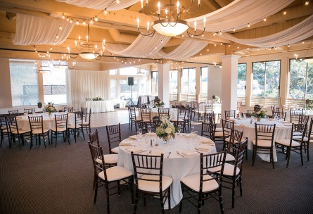 Elegant wedding reception with chiavari chairs.