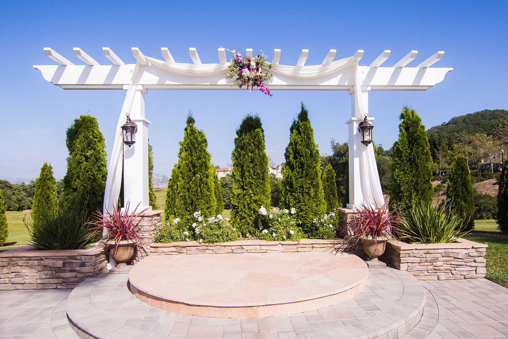 Charming ceremony pergola - Eagle Ridge - Gilroy, California - Santa Clara County - Wedgewood Weddings