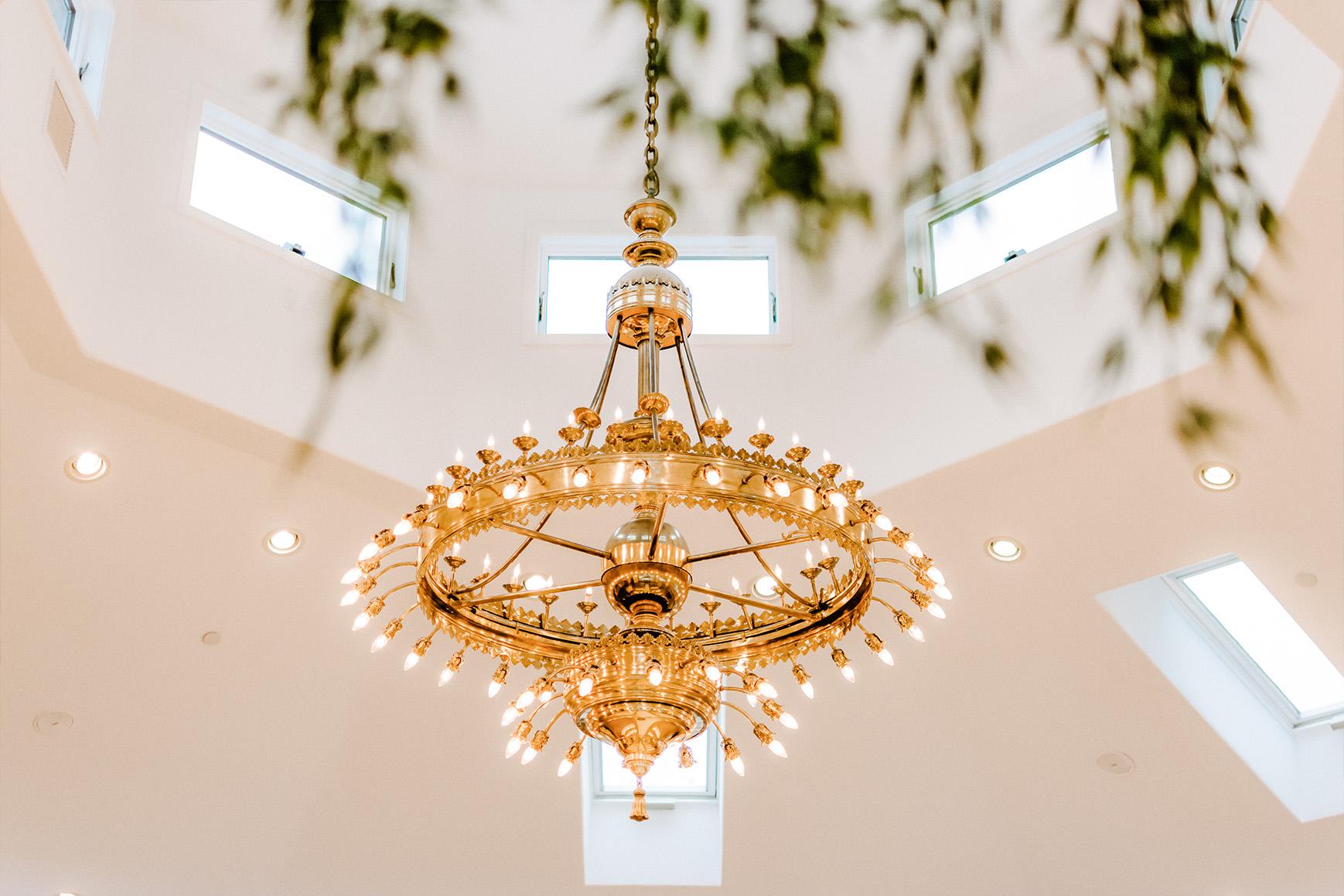 Grand Chandelier - Granite Rose - Hampstead, New Hampshire - Rockingham County - Wedgewood Weddings