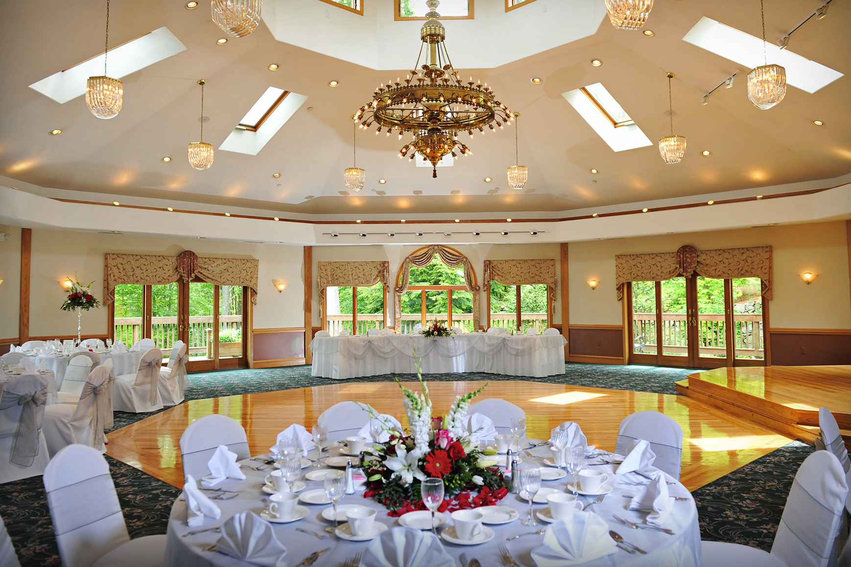 Ballroom - Granite Rose - Hampstead, New Hampshire - Rockingham County - Wedgewood Weddings
