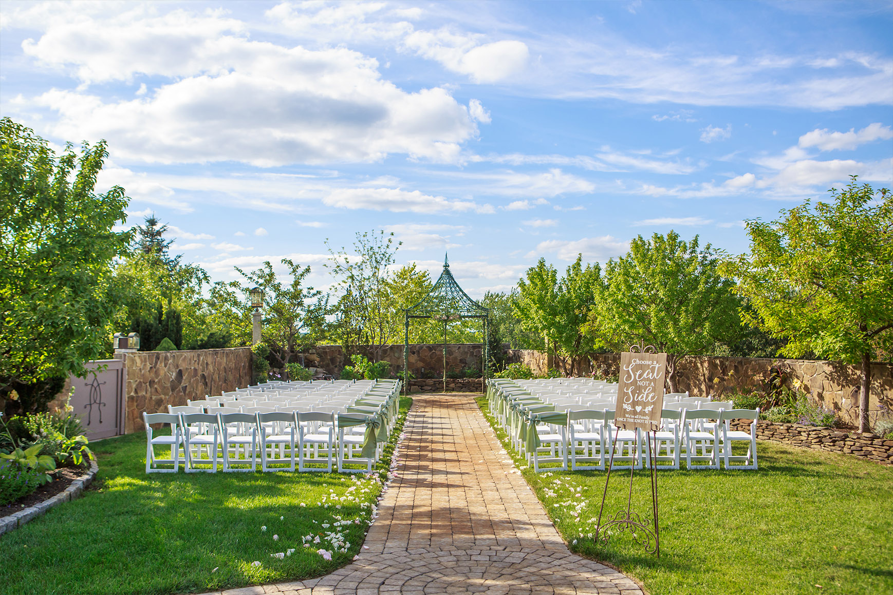 Lush Ceremony Site - Granite Rose - Hampstead, New Hampshire - Rockingham County - Wedgewood Weddings