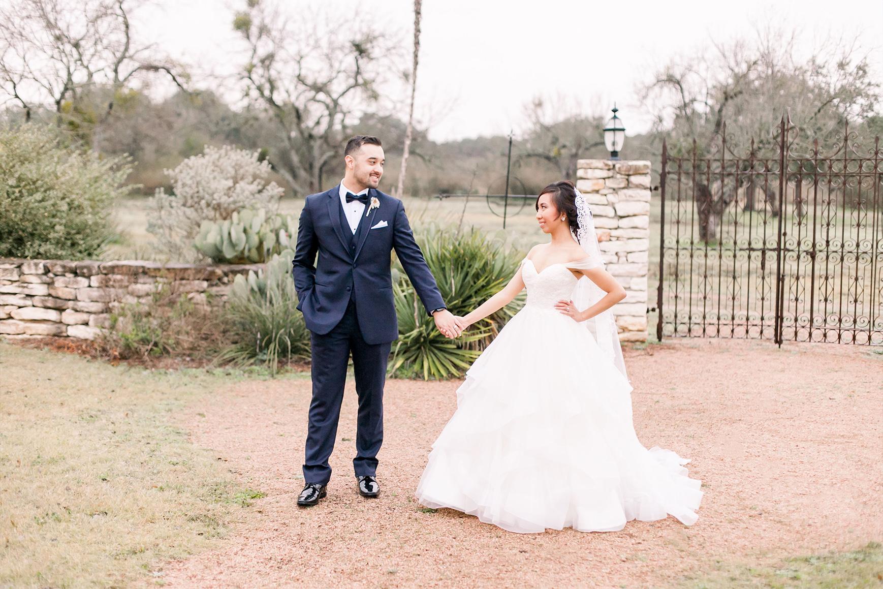 Happy Couple  - Hofmann Ranch - Castroville, Texas - Medina County - Wedgewood Weddings