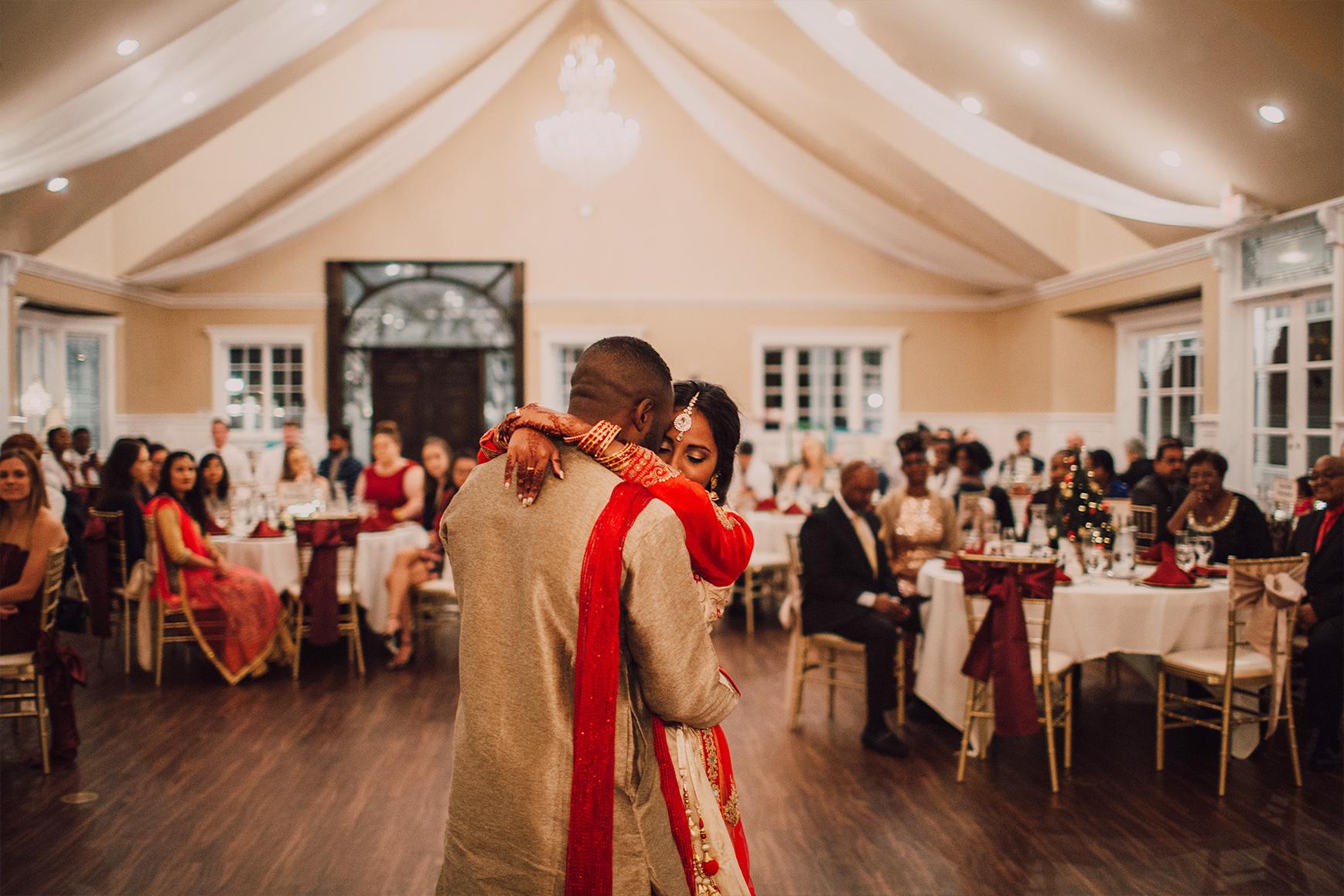 Romantic first dance - Lindsay Grove - Mesa, Arizona - Maricopa County - Wedgewood Weddings