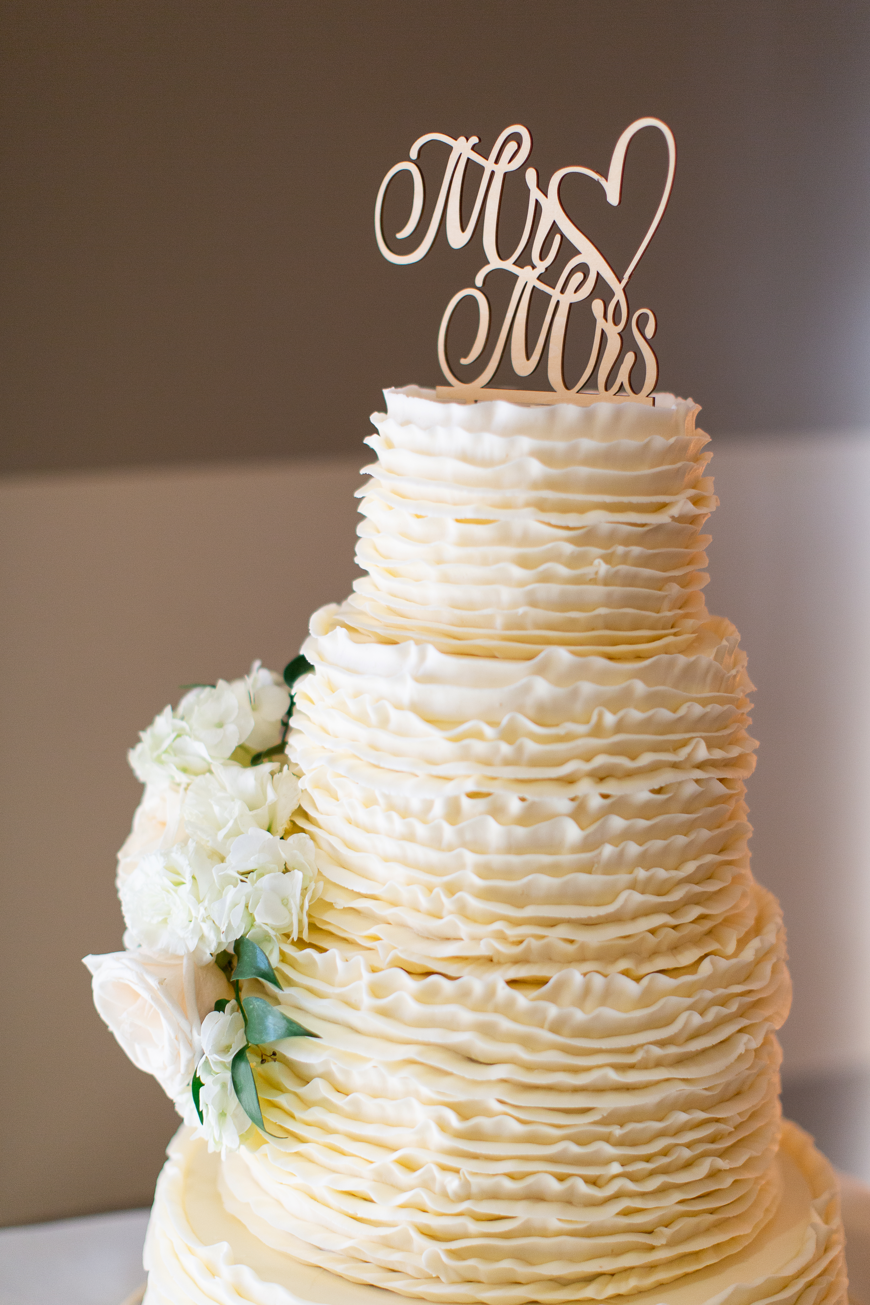 white textured wedding cake at Vellano Estate